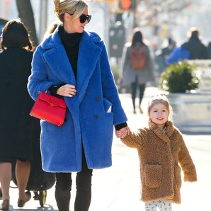 'faux-fur-coat'-para-dos:-inspirate-en-nicky-hilton-y-su-(adorable)-hija